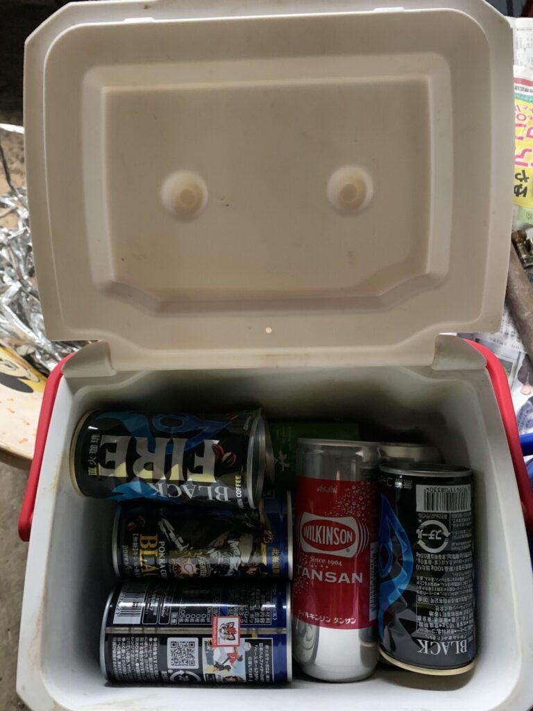 缶を入れた状態